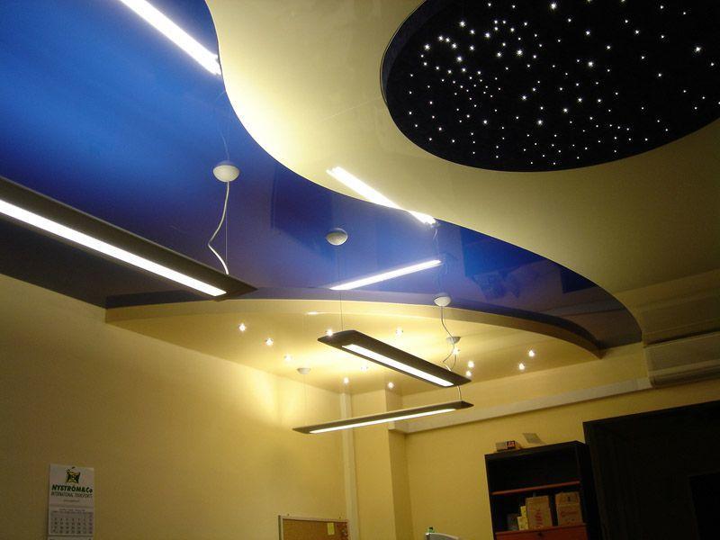 Сегодня существует масса способов отделки потолка, кроме того, их можно комбинировать. получая при этом превосходные результаты