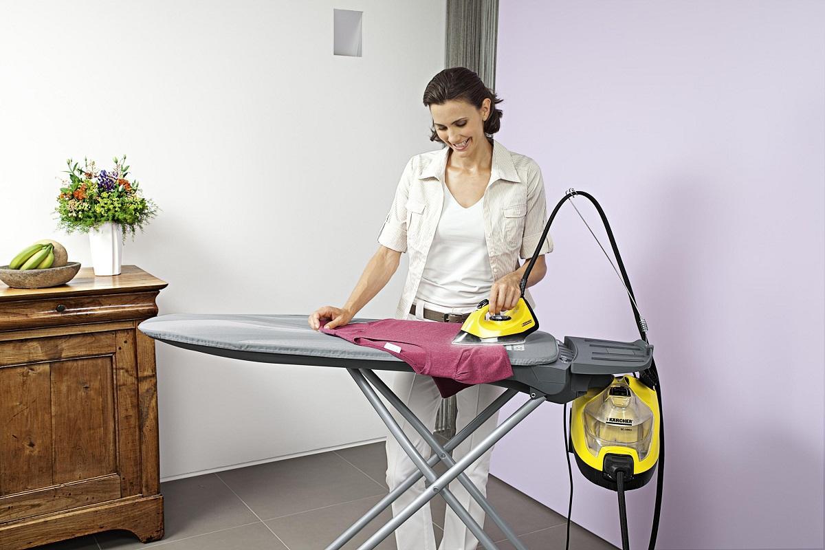 В отпариватель для одежды рекомендуется заливать только очищенную воду