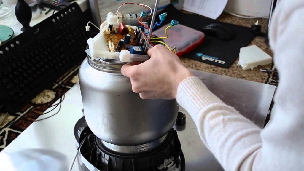 Если термопот не качает воду, в таком случае необходимо произвести замену помпы
