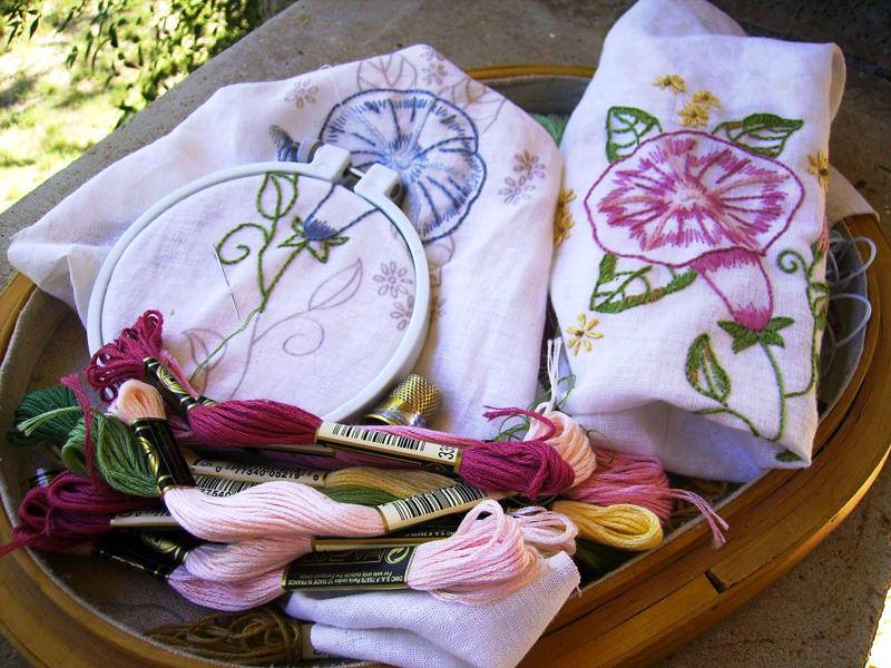 Перед тем как купить набор для вышивания, следует тщательно проверить качество нитей, схемы и другие материалы для работы
