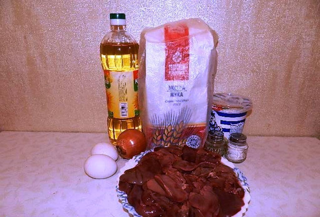 Для приготовления печеночных оладий необходимо заранее подготовить ингредиенты