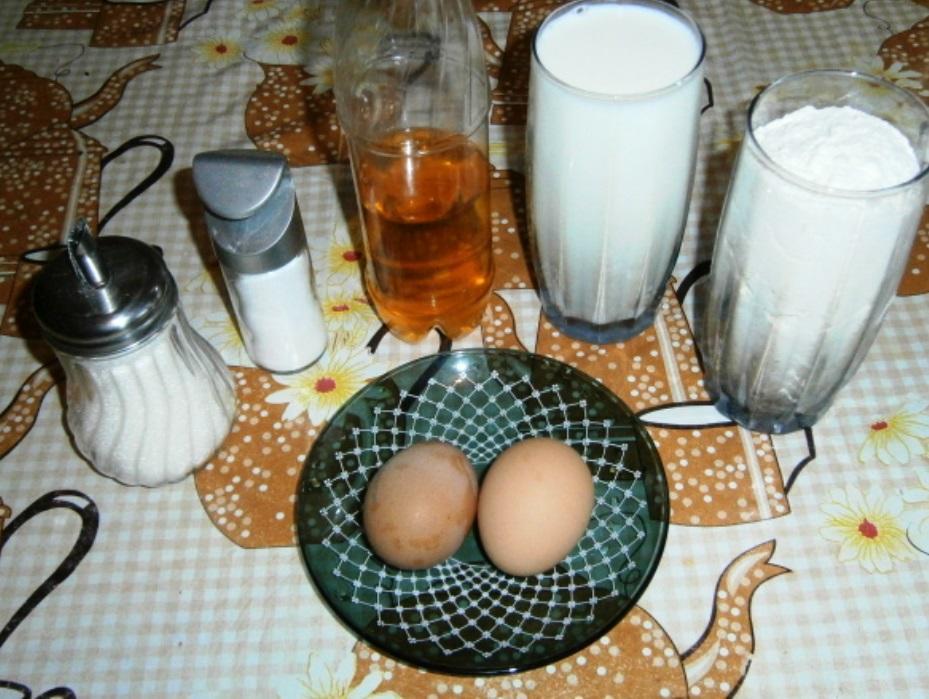 Для быстрого приготовления оладий заранее подготавливаем продукты, которые можно приобрести в любом магазине