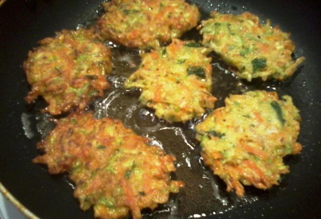 Оладьи из кабачка без муки: рецепт с фото, кабачковые без масла и яиц, как приготовить и чем заменить