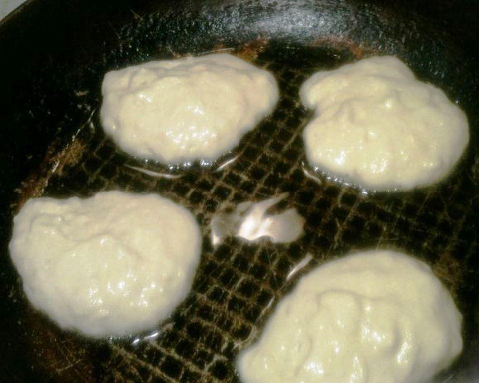 Оладьи на воде и соде пышные: оладушек рецепт с яйцом