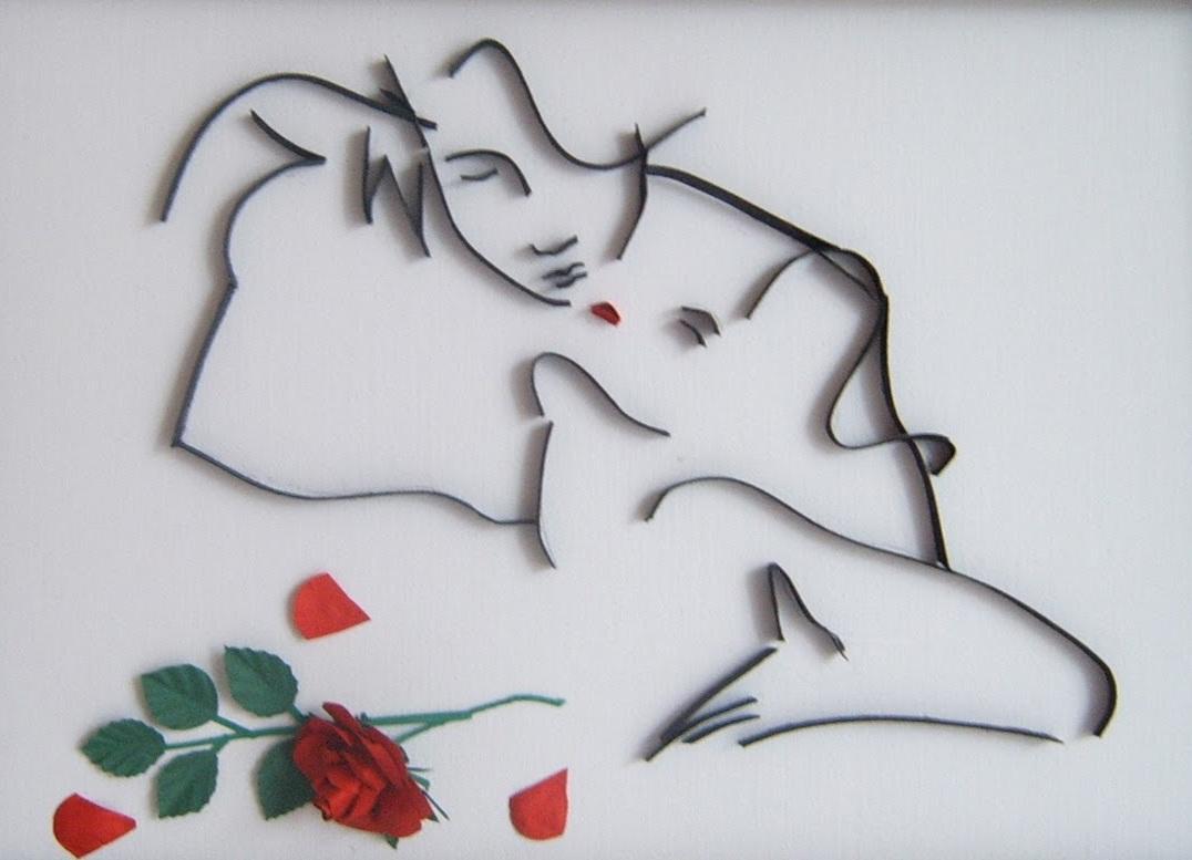 Картина, сделанная с помощью контурного квиллинга, является отличным подарком на любой праздник