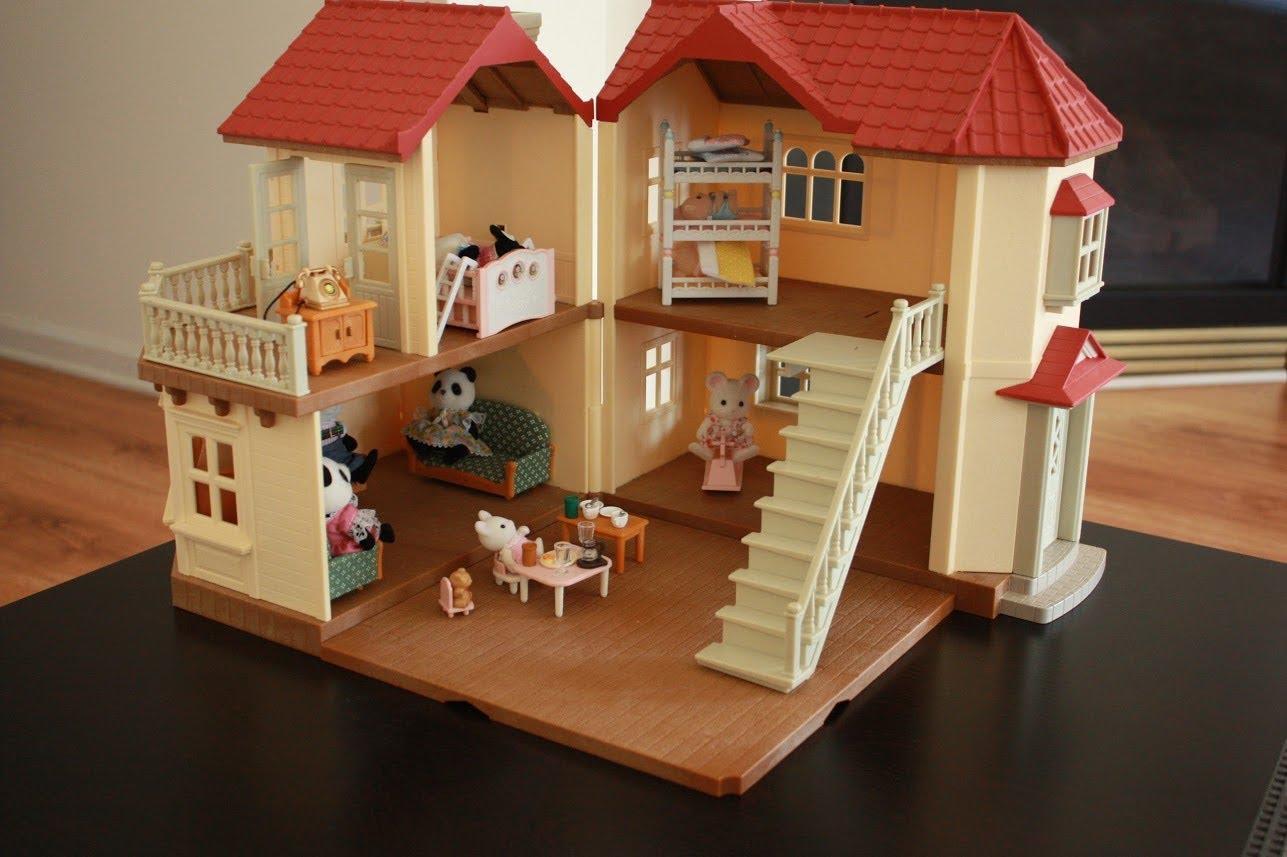 Подбирая вариант кукольного домика, следует учитывать его безопасность и практичность