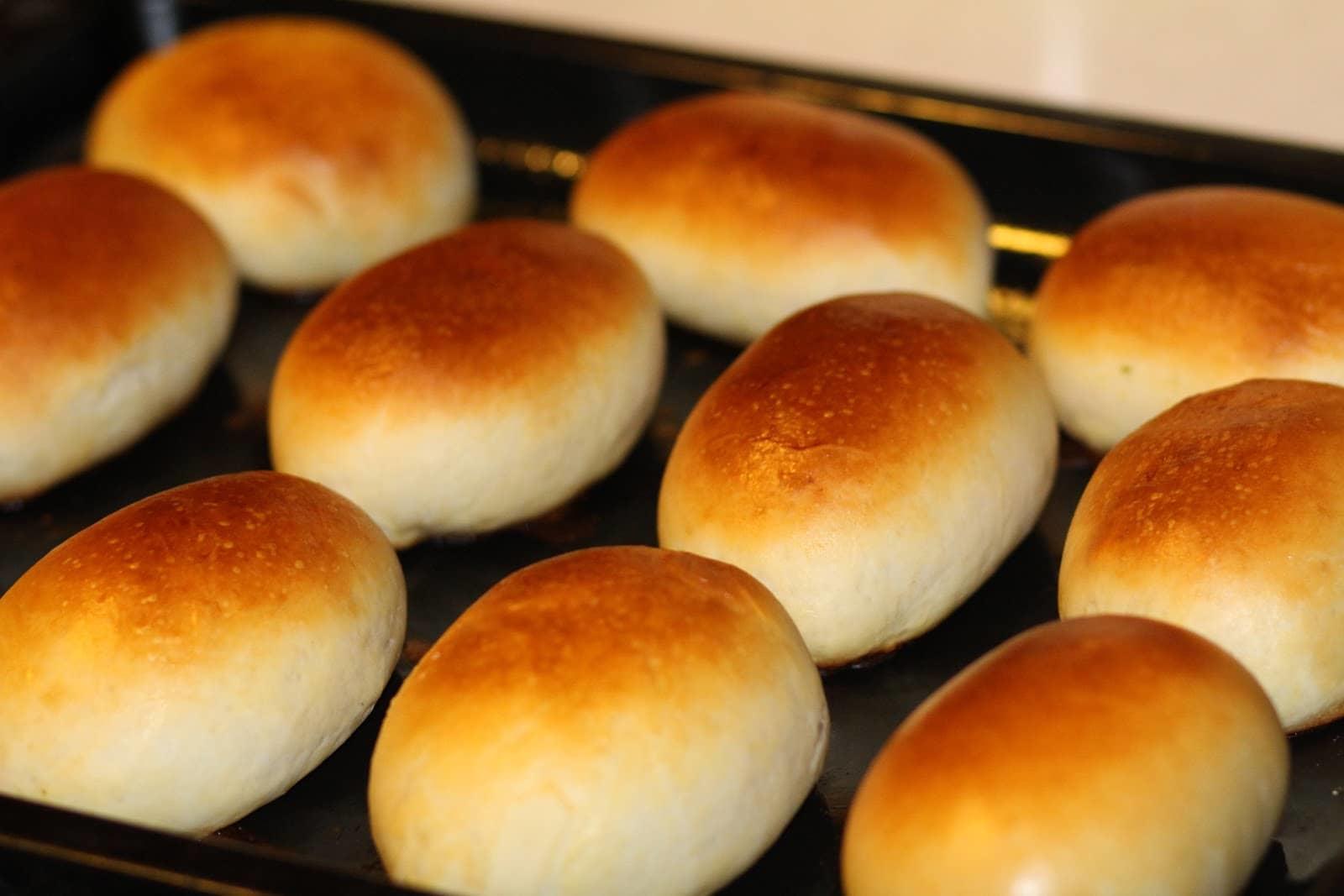 После того, как на пирожках появился румянец, их можно вынимать из духовки