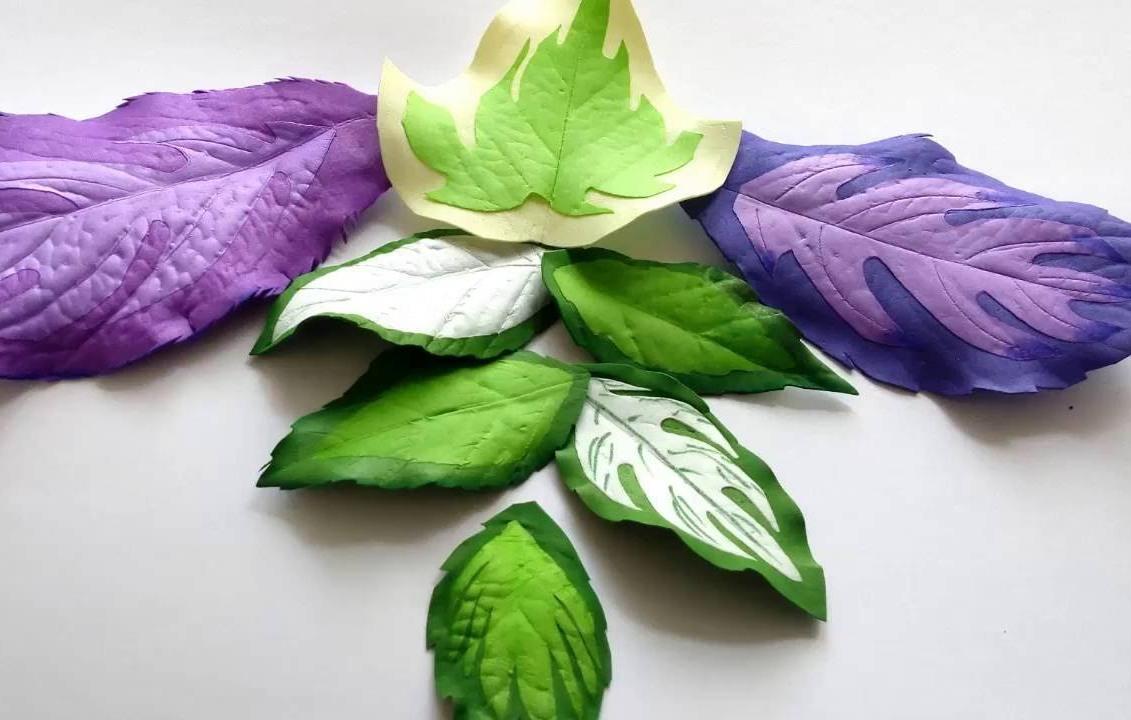 Сделать рельефные листья достаточно просто, если в работе использовать молд