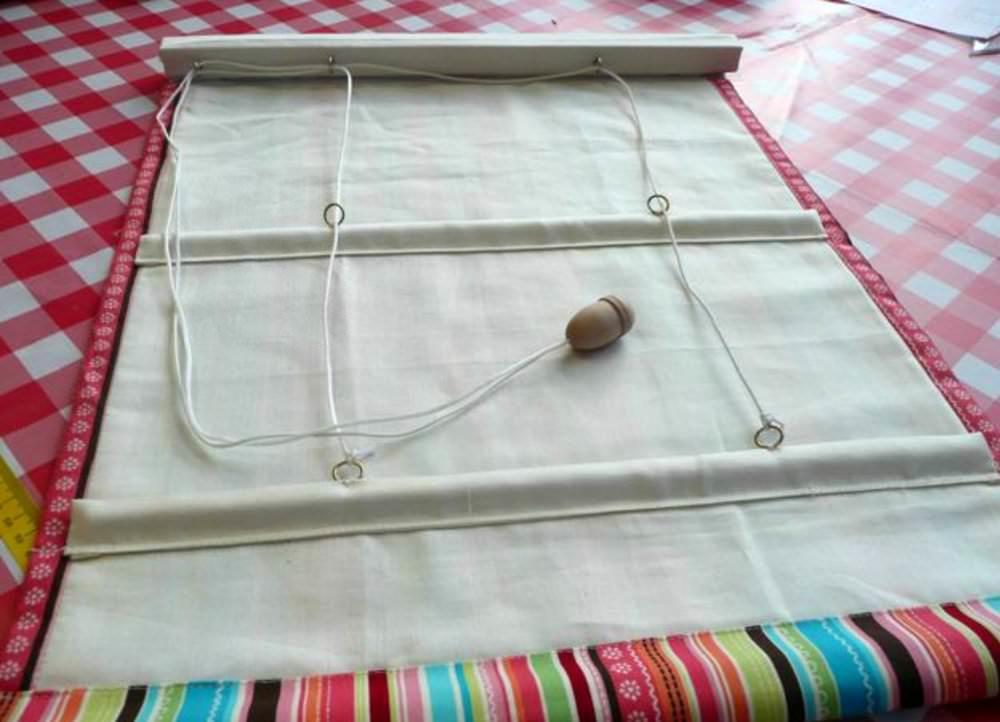 Некоторые виды карнизов для рмских штор являются неотъемлемой частью общей шторной конструкции