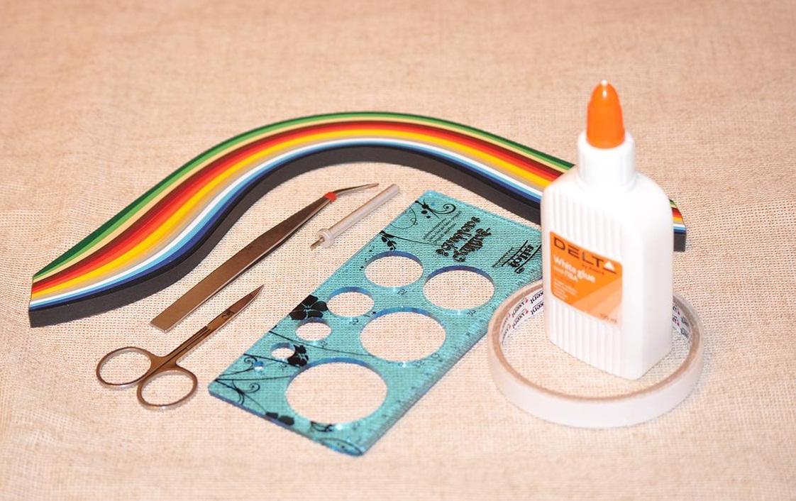 Инструменты для квиллинга можно приобрести в интернете или магазине для рукоделия