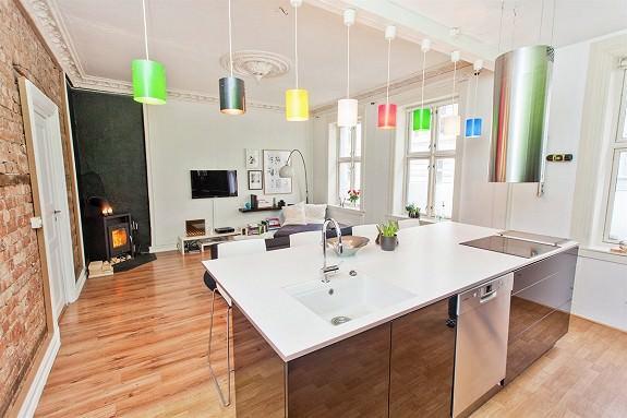 Кухонный остров так и просится, если площадь кухни большая