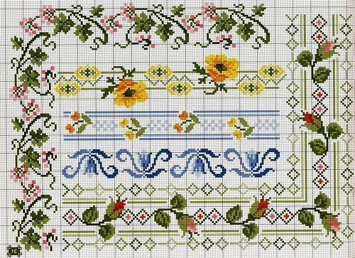 Орнаментами можно оформить салфетки, скатерти и полотенца