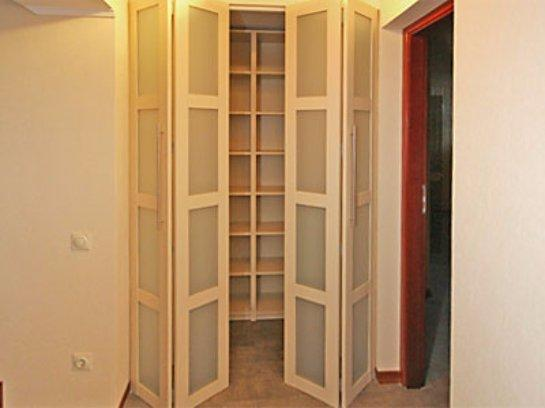 Складные двери для шкафа своими руками сделать достаточно просто