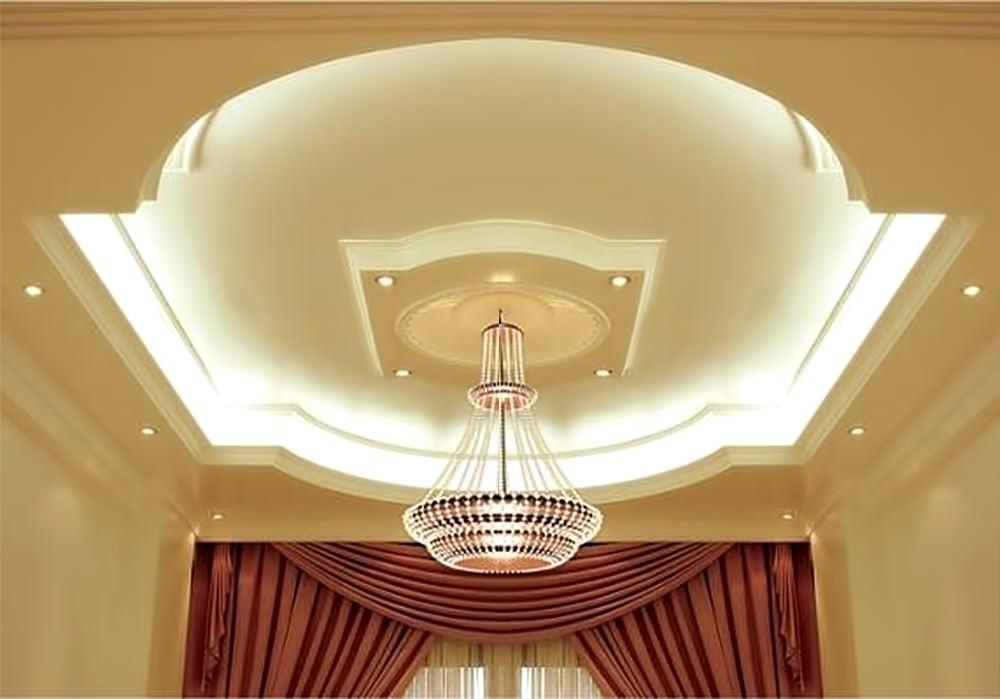 Потолок — это та часть комнаты, которая всегда на виду, поэтому к ее оформлению следует отнестись со всей серьезностью