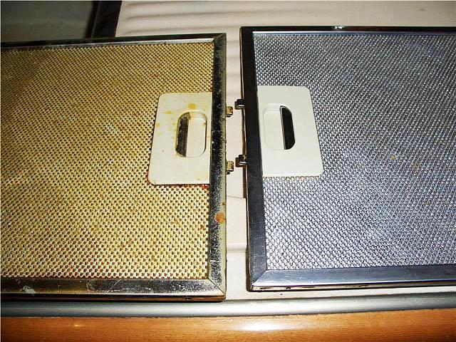 Кажется, что роль вытяжки на кухне слишком мала, но стоит посмотреть на ее загрязнение спустя полгода и вопрос о ее важности решится сам собой
