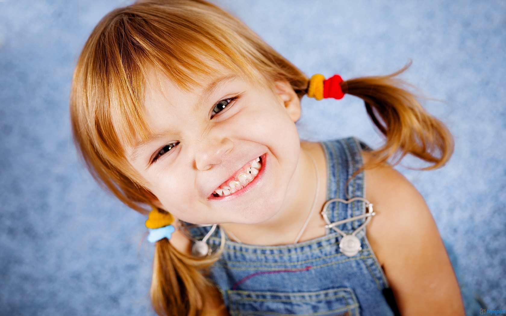 Во время создания вашего топиария можно прибегнуть к помощи детей: они с радостью вам помогут