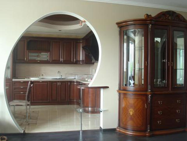 Арка на кухне - это стильно и очень удобно