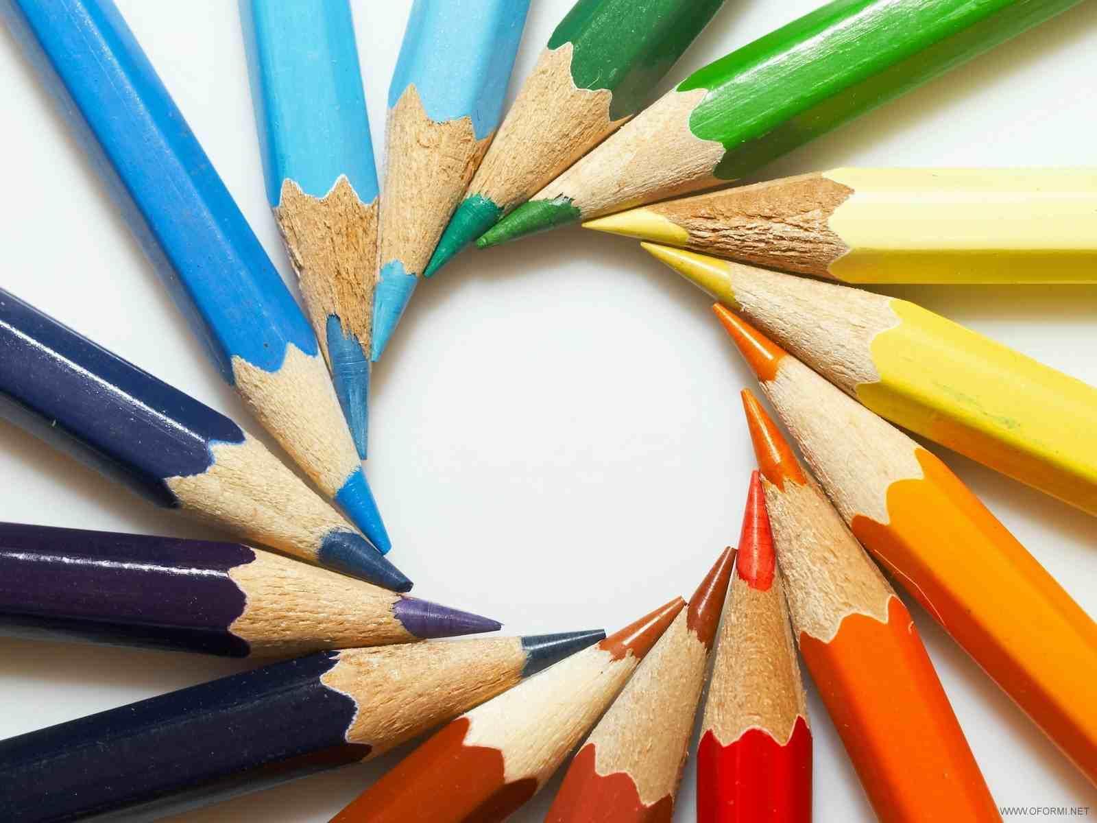 Во время создания топиария следует использовать цветные карандаши