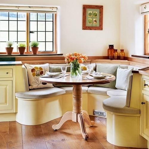 Уют в кухне можно обеспечить при помощи разных бытовых мелочей