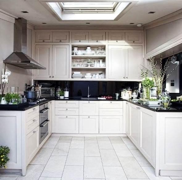 П-образная кухня всегда будет выглядеть красиво и современно