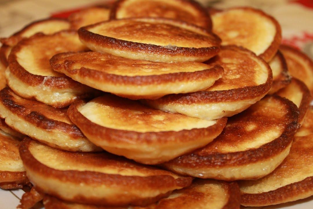 Очень вкусными, мягкими и нежными получаются оладушки, которые приготовлены на молоке