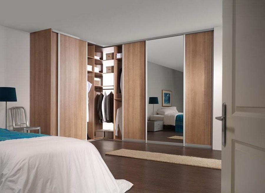 Правильно собранный и укомплектованный шкаф органично дополнит комнату