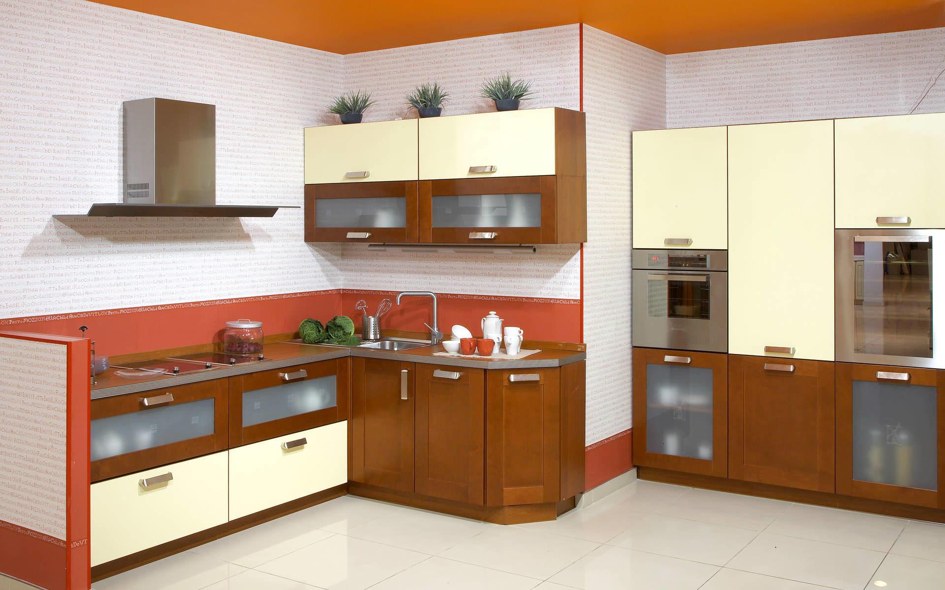 """Интерьер кухни в теплых оттенках определенно делает помещение """"теплее"""" и уютнее"""