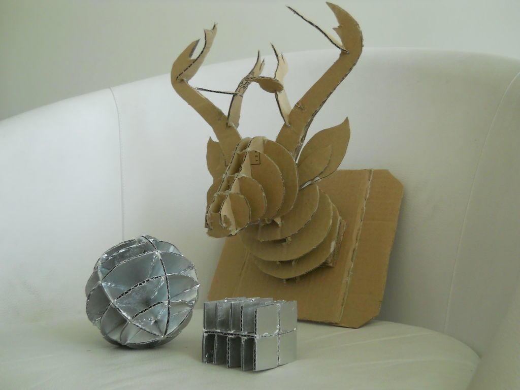 Картон — это отличный материал, из которого можно смастерить красивые и креативные поделки