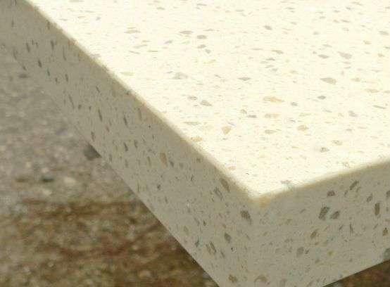 """Каменную столешницу изготавливают при помощи """"жидкого"""" камня, который формуют, а затем дают высохнуть"""