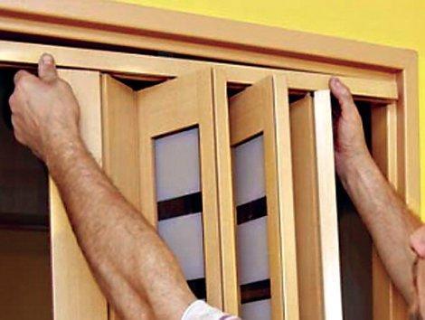 Ремонт двери-гармошки можно провести самостоятельно