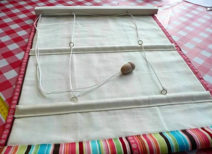 Механизм устройства римской шторы ничего особо сложного собой не являет