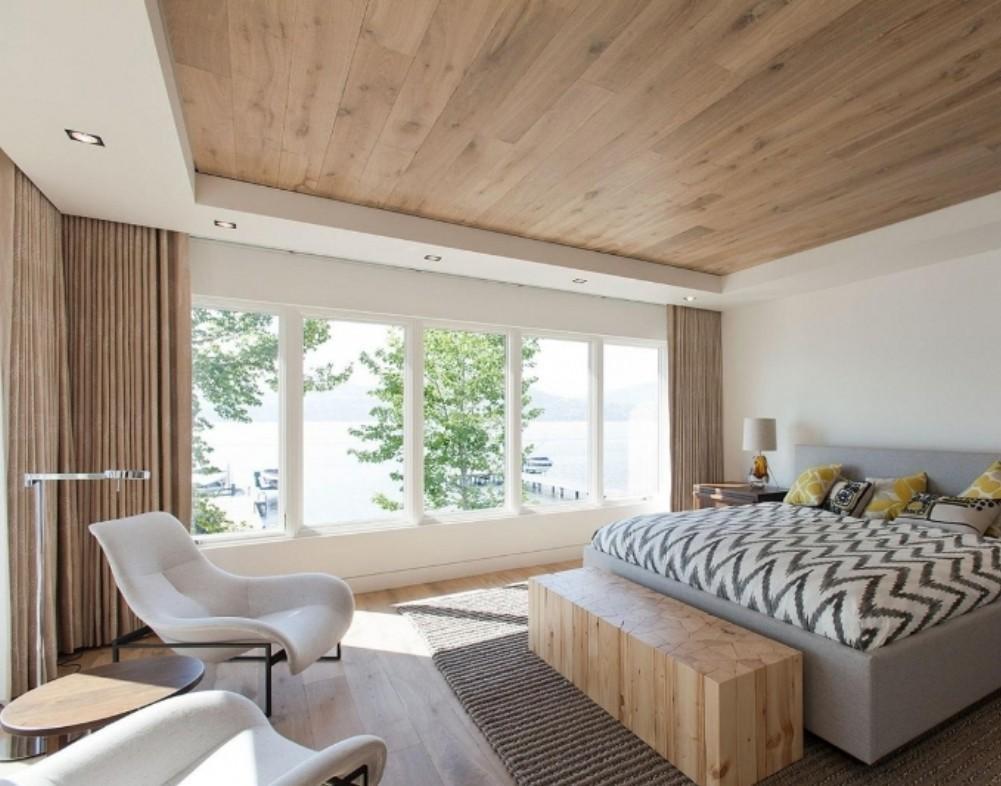Короб из гипсокартона может также выступать дополнительным украшением для потолка
