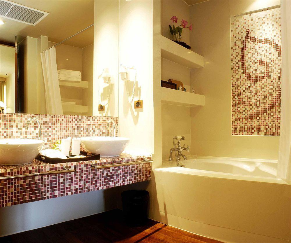 Для ванной комнаты площадью 4 кв. м отлично подойдет стиль минимализм
