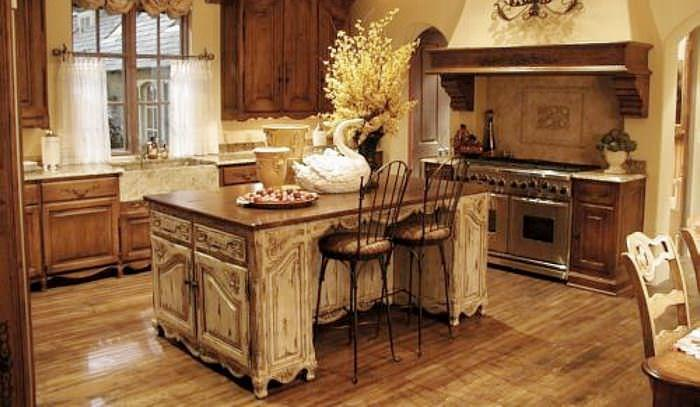 Искусственно состаренные поверхности мебели – яркий признак стиля прованс