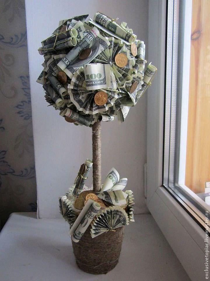 Денежное дерево может быть оформлено лишь купюрами, одними монетами или купюрами и монетами в комплексе