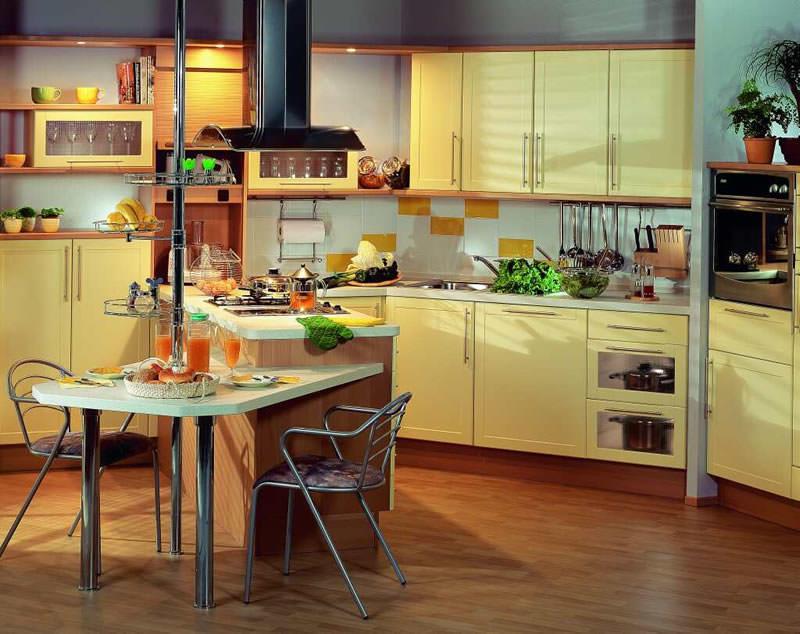Барная стойка идеальна в любом помещении, будь то маленькая кухня или загородный дом