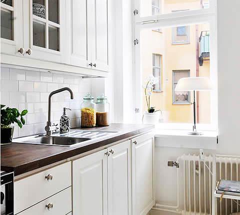 Кухня, площадь которой всего 3 кв. м, тоже может быть функциональной и удобной