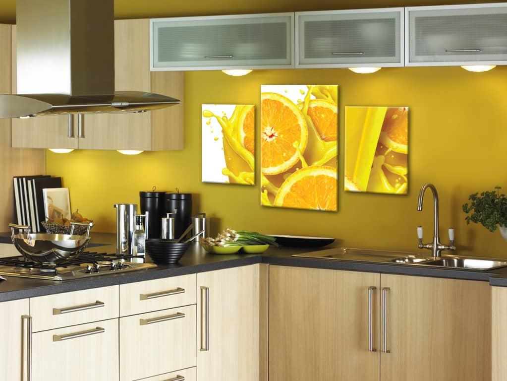 Правильно подобранные картины на кухню, сделают ее стильной, современной и уютной