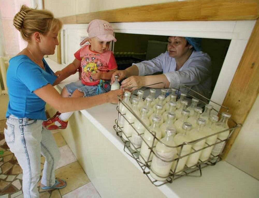 Дети от 2-х до 3-х лет могут получать продукцию молочной кухни лишь в определенных случаях