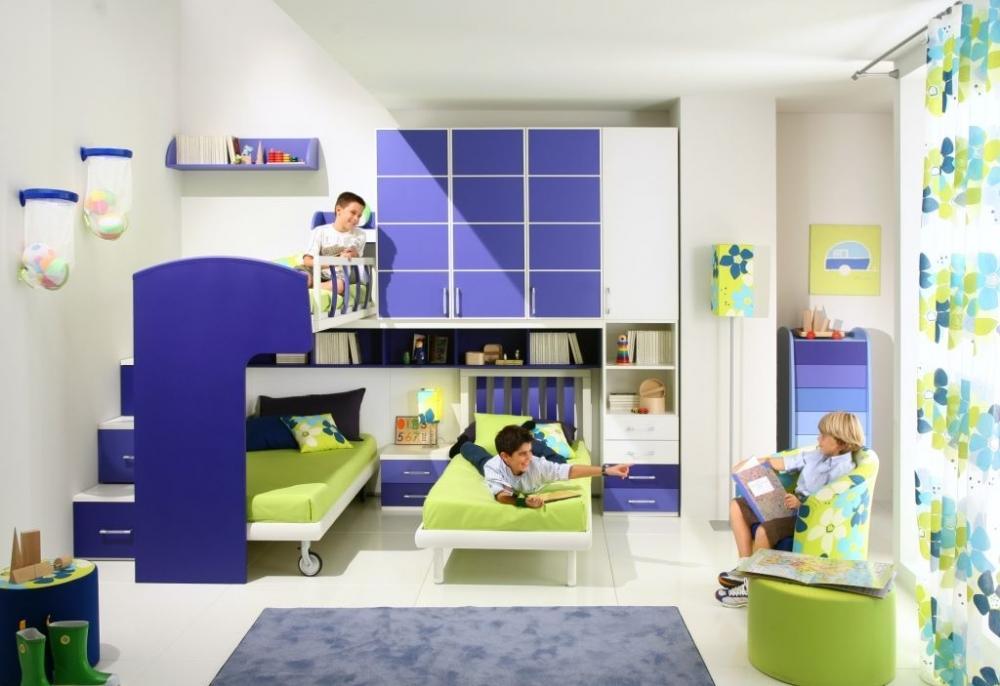 Сделать комнату для мальчиков интересной и увлекательной, можно при помощи ярких и необычных элементов декора