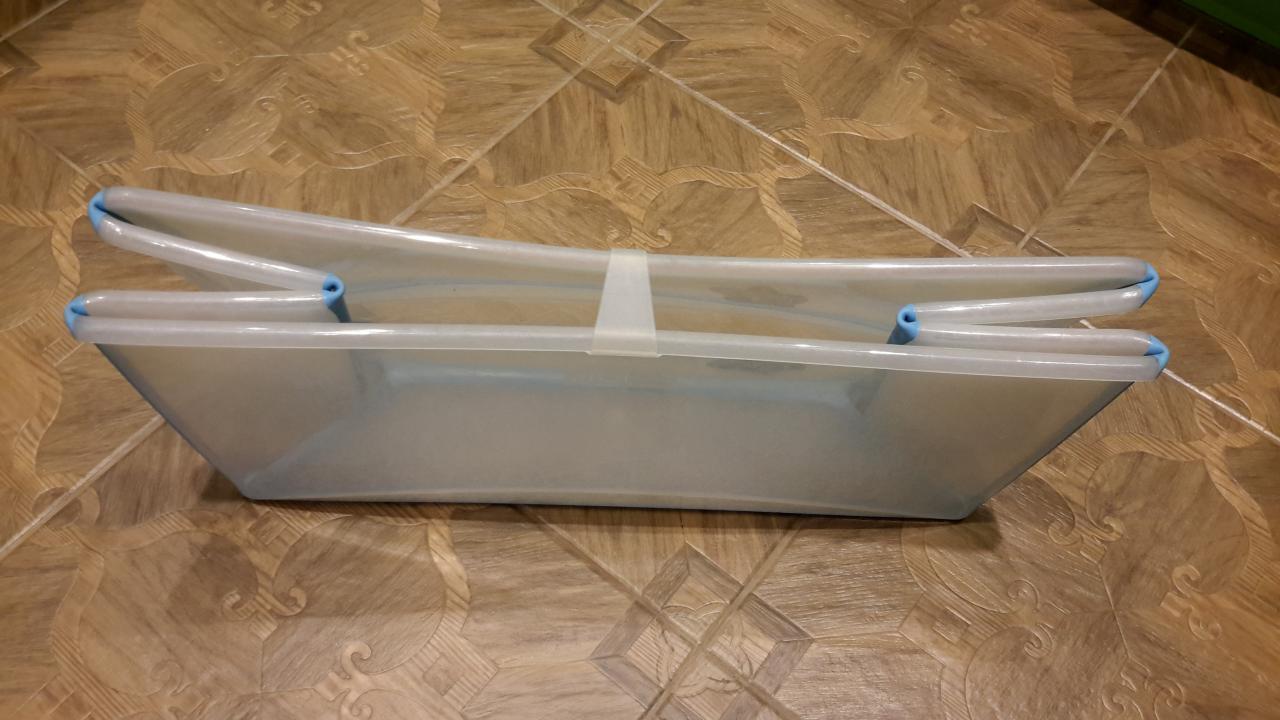 Складные ванночки изготавливаются из безопасного пластика и надежно прослужат несколько лет