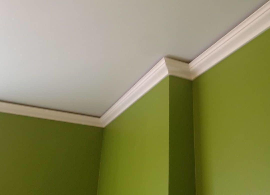Багеты бывают для стен, штор, потолков и обойные