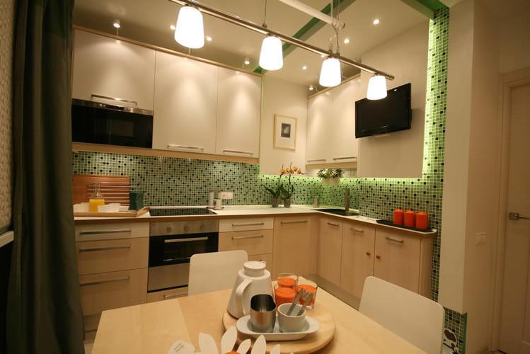 Кухню 9 кв. м нельзя назвать маленькой. Именно поэтому вариантов использования цветов великое множество: можно использовать в дизайне даже темные цвета и оттенки, не боясь при этом, что кухня будет выглядеть визуально меньше
