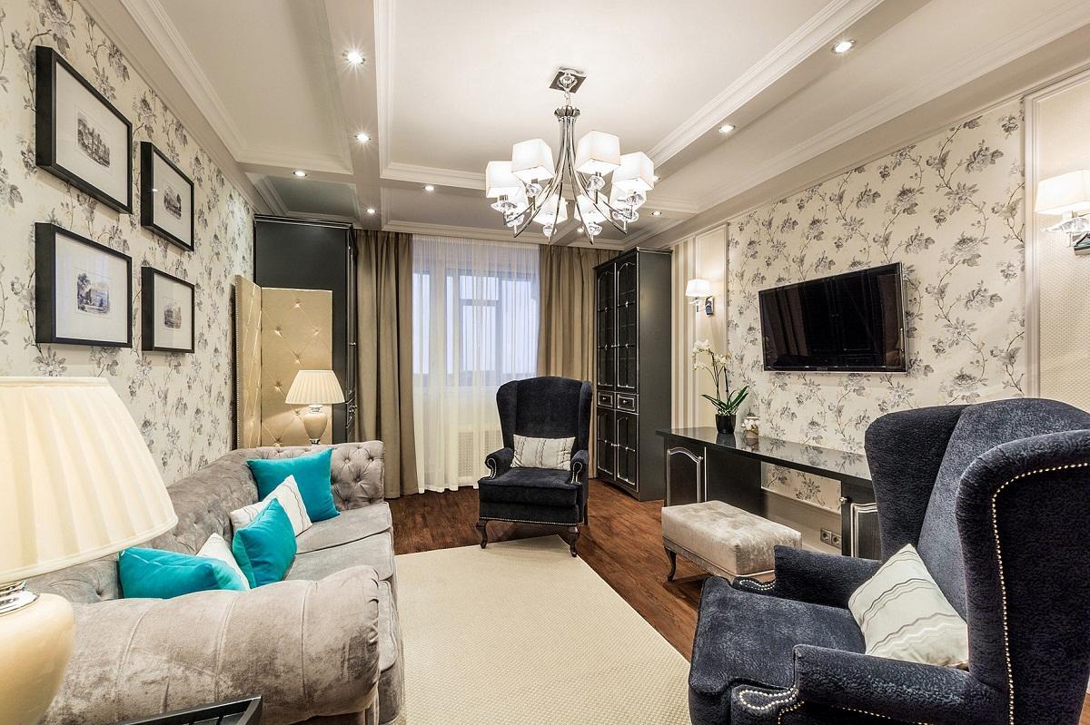 В небольшом зале рекомендуется располагать диван вдоль стены, а на противоположной стенке повесить телевизор