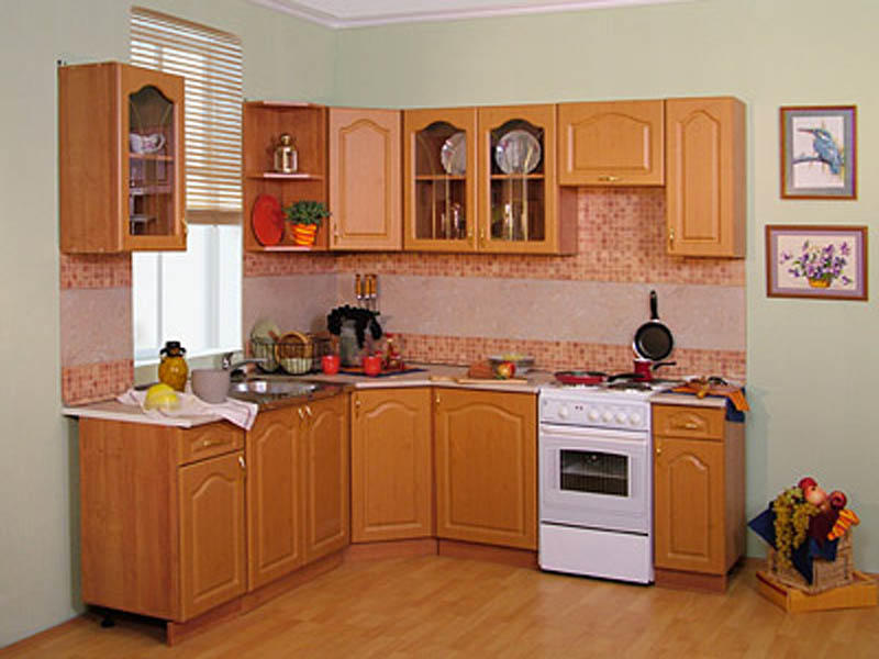 Практичный подход к обустройству новой кухни дает возможность приобрести недорогой, но стильный, эргономичный и функциональный комплект мебели