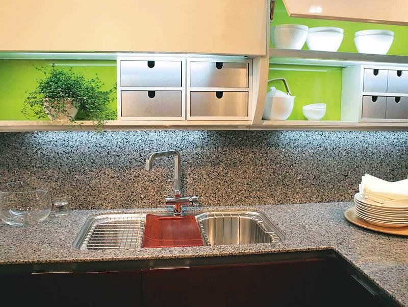 Пластиковая плитка для кухни