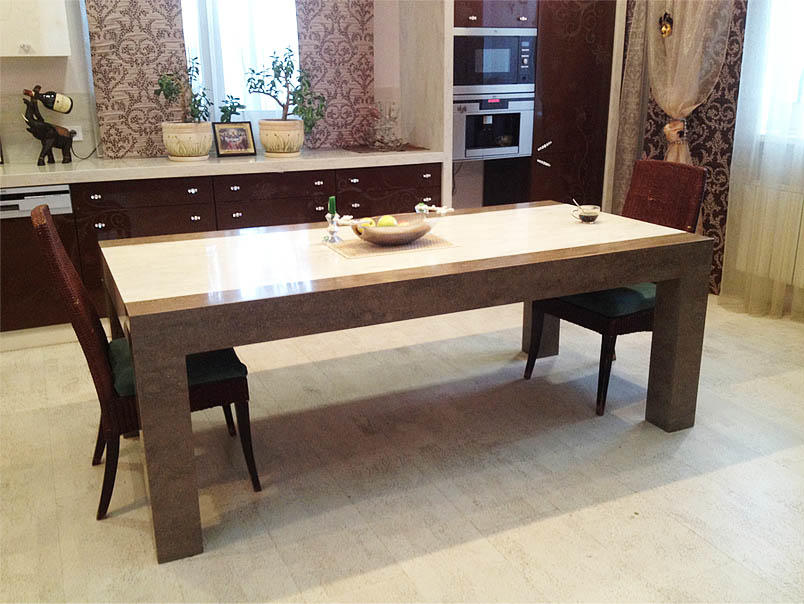 В одном столе могут сочетаться как искусственный камень разного цвета, так и текстуры
