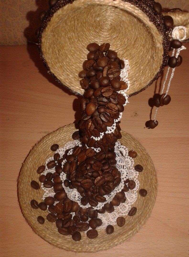 Кофейные зерна смогут украсить вашу поделку и сделать ее более оригинальной