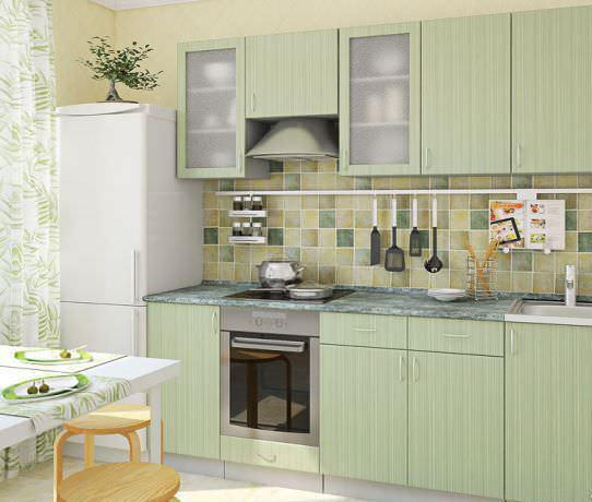 Важно расположить кухонную мебель так, чтобы расстояние в так называемом «рабочем треугольнике» было как можно короче