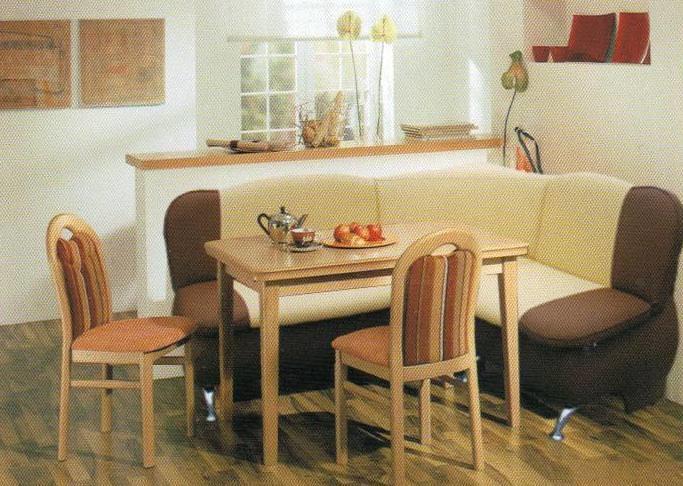 Кухонные уголки могут быть как жесткими, без наполнителя. так и представлять собой полноценный диван